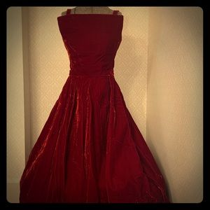 Gorgeous 1950s Velvet Christmas CockTail gown